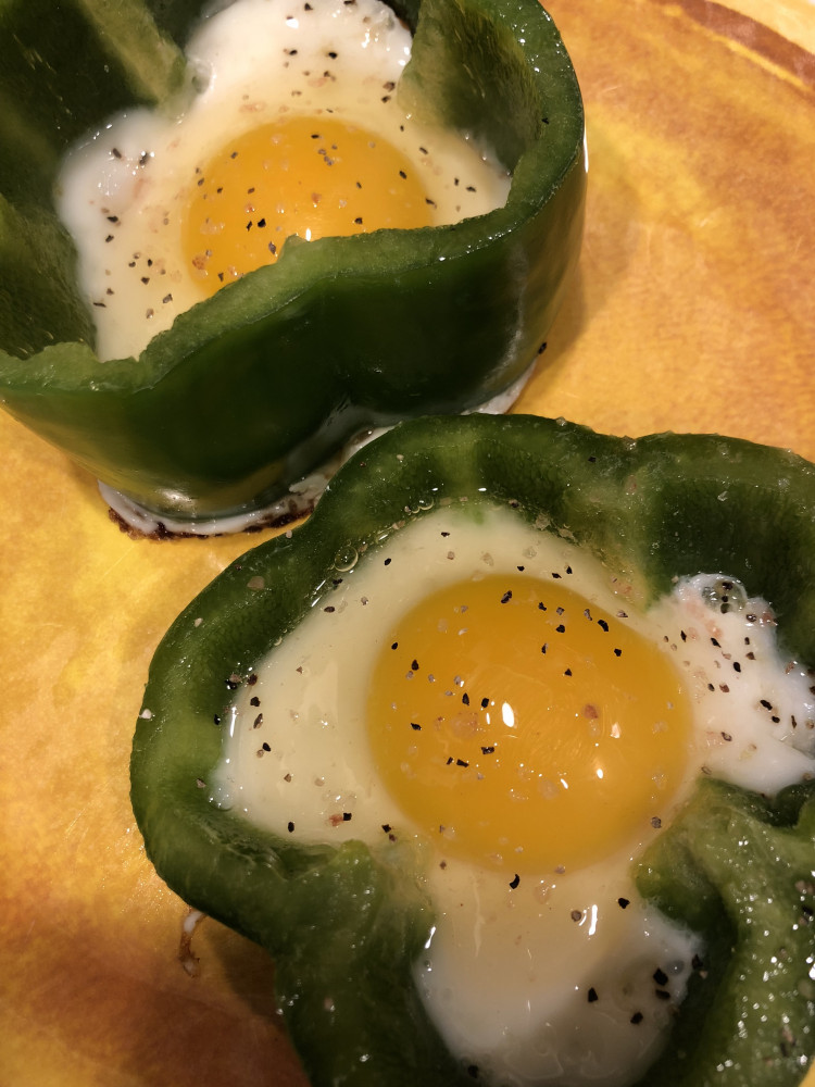 Low Carb St.Paddy's Day Shamrock Fried Eggs